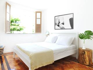 CHARMING IPANEMA HOUSE  One block from the Beach., Río de Janeiro