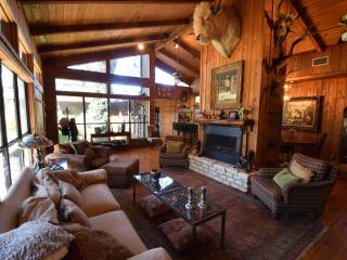 Schreiner Cedar Lodge, Ingram