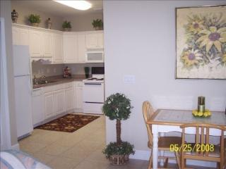 GREAT RATES BEST LOCATION SUPER CLEAN, Fort Myers Beach