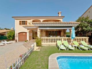 LLAC BLAU - Large Mediterran Style Villa with Pool