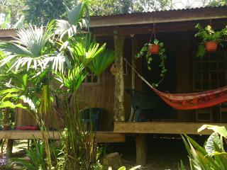 Casa Bananaquit - 2 bedroom cottage 200m to beach, Cahuita
