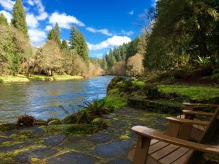 Whispering Pines, on the McKenzie River, Vida