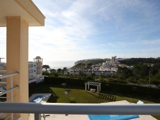 Three-bedroom apartament with great views and pool, Nazaré