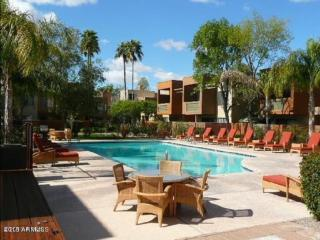 New Listing! Resort Style Sunscape Scottsdale 2b/2