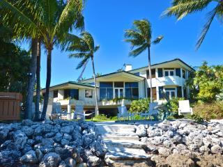 KEY WEST MANSION - OCEANFRONT - PRIVATE BEACH  !