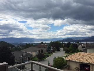 DILWORTH EXECUTIVE HOME, Kelowna