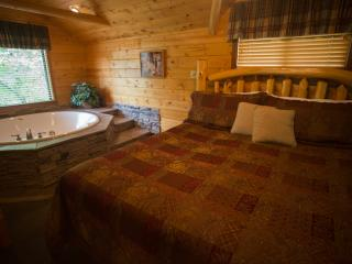 Enchanted Forest Resort: Hideaway Cabin