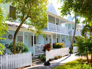 KEY WEST CONDO - WALK TO DUVAL ST.