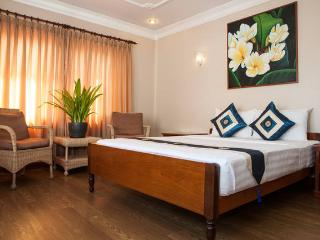 Anise Hotel PP, Double Room+Breakfast+Laundry, Phnom Penh