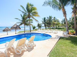 15 Steps to Beach! Luxury, Ground Floor 3BR/3.5BA, Puerto Aventuras