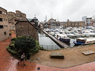 St Katharine Docks - Tower Bridge - Dock View - 2nd floor