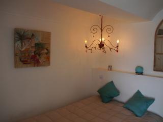 """Vue mer, pieds dans l'eau, Collioure  """"Château de la Rocasse"""""""