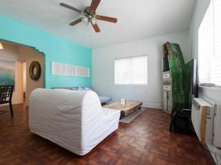 Beach Escape one bedroom apartment Cott 1