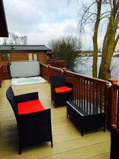 Hot tub incorporated into decking