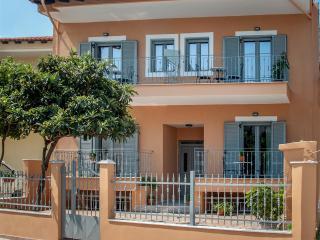 Eco holiday accommodation, Polichrono