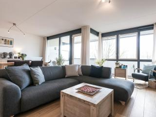 Flat to share with private room/car park, Ámsterdam