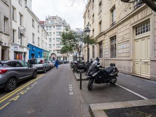1-BR with a Terrace near Notre Dame, Latin Quarter