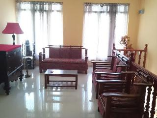 fully furnished 3 bedroom spacoius upstair