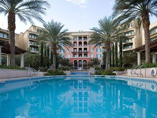 Beautiful Lake Las Vegas  Condo in Amazing Resort