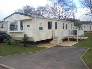 spacious luxury caravan, Tattershall