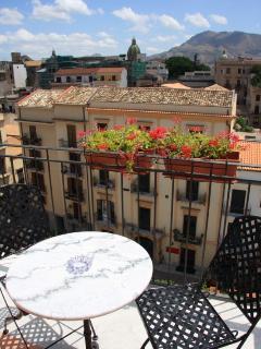 Vista della Piazza San Onofrio dal terrazzo