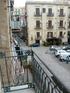 Vista della Piazza San Onofrio dal balcone