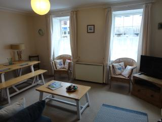 2 Bedroom Flat in Central Falmouth, with parking