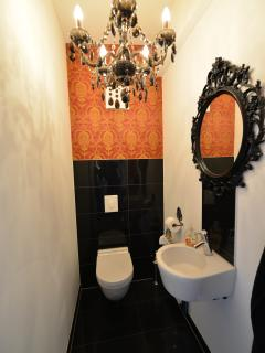 separates WC / Toilett