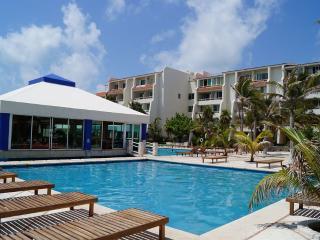 Cancun Solymar Beachfront Studio in Hotel Zone