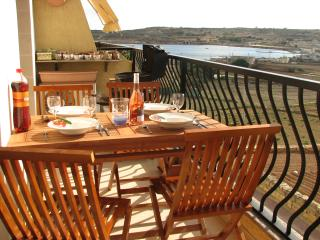 SeaView Apartment In Marsaskala, Marsascala