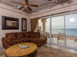 True ocean front property - first floor., Puerto Penasco