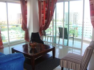 Bright central ocean view highrise apartment
