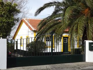 CASA DA ABRAÇADA - ABRAÇADA HOUSE, Terceira