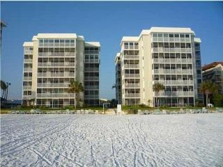 Siesta Key Condo, Crescent Arms, unit 605 South