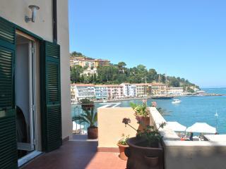 Splendida casa con due terrazzea 20 metri dal mare