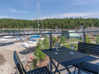 2 Bedroom, 2 Bathroom Oceanfront Suite, Nanaimo