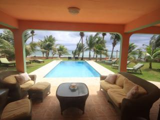 Ocean front villa, 1st floor, infinity pool, Yabucoa