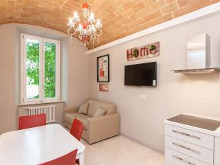 Cerise Suite Apartment