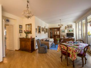 RITMOLESTO - Comfy, Quiet, Central, With a Terrace, Bologna