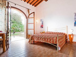 STUDIO APARTMENT garden, pool, Toscana, sea, Cecina