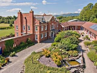 The Garden Suite, Blackmore Gardens, Blackmore Park (Nr 3 Counties Showground), Hanley Swan