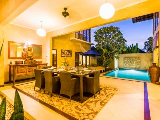 Villa Shakti, 500m from the beach, Canggu