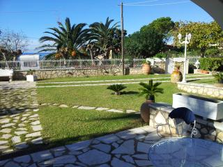 3 bedroom beach garden apartment in Agios Gordios