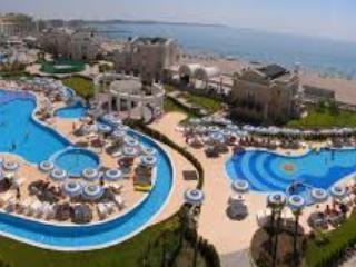 Beautiful Seaview Apartment in Sunset Resort