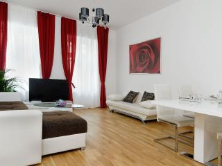 GRAND CENTRAL CITY APARTMENT MITTE 4 ROOMS, Berlim