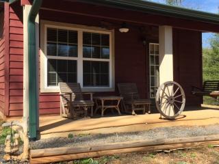 Hilltop Cabin, Murphy