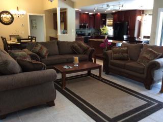 5* Seasonal Home Rental, Heated Pool, 4 ensuites, Port Charlotte