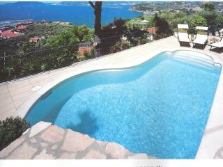 VILLA WITH POOL ,TERRIFIC VIEW 5 TERRE AREA LERICI, Lerici