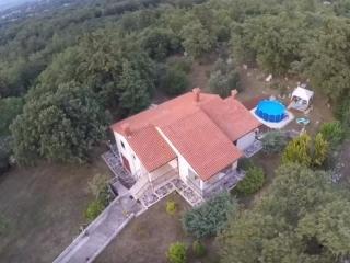House Iva 4*, Krsan