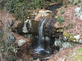 Waterfall Log Cabin, Hendersonville